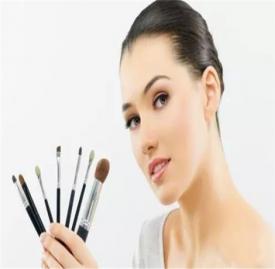 皮肤出油严重如何改善 皮肤出油解决办法