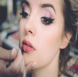 油皮怎么化妆不脱妆 大油田的化妆技巧秒哑光