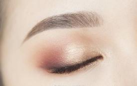 九款眼妆画法 不会画眼妆的女人不是好女神