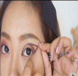 化眼影的正确画法  教你正确画好眼影