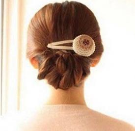 冬季长发怎么扎好看 气质盘发值得你扎