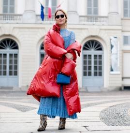 红色羽绒服搭配图片 打破冬日沉闷感