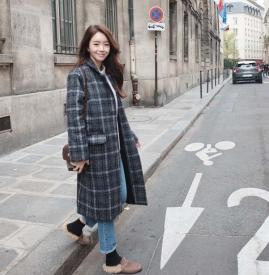 韩版格子大衣搭配图片 复古清新随意切换
