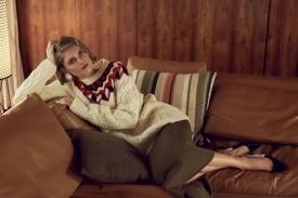 秋冬毛衣怎么搭配 时髦精们都为这件毛衣打call