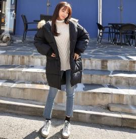 黑色棉袄配什么颜色毛衣 让你的冬天不再单调
