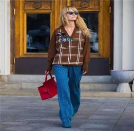 2017流行毛衣款式 6种毛衣款式的设计