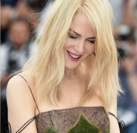 Nicole Kidman现身戛纳电影节 吊带纱裙美到爆炸