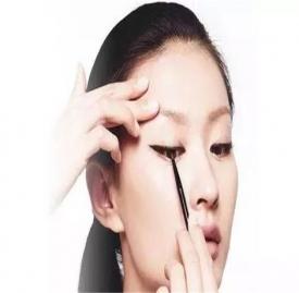 眼线画法技巧 11个眼线小技巧适用于各种眼型
