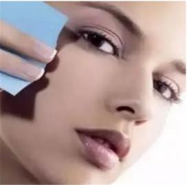 怎样把妆卸干净 卸妆的几点小技巧你要懂