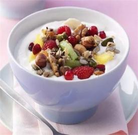 酸奶减肥正确方法 酸奶与这些食物灵活搭配更瘦身