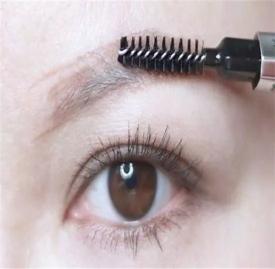 眉毛画法步骤图解 简单又好看眉毛画法教程