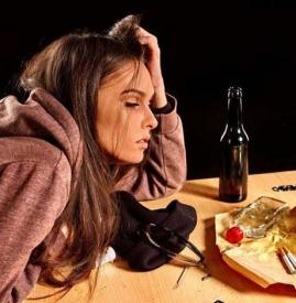 喝酒后心跳加速怎么回事 喝酒后心跳120正常吗