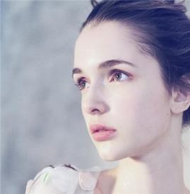 雅顿粉胶是什么 你肌肤的修护膜
