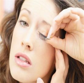 假睫毛的正确贴法 假睫毛应该怎么戴才正确