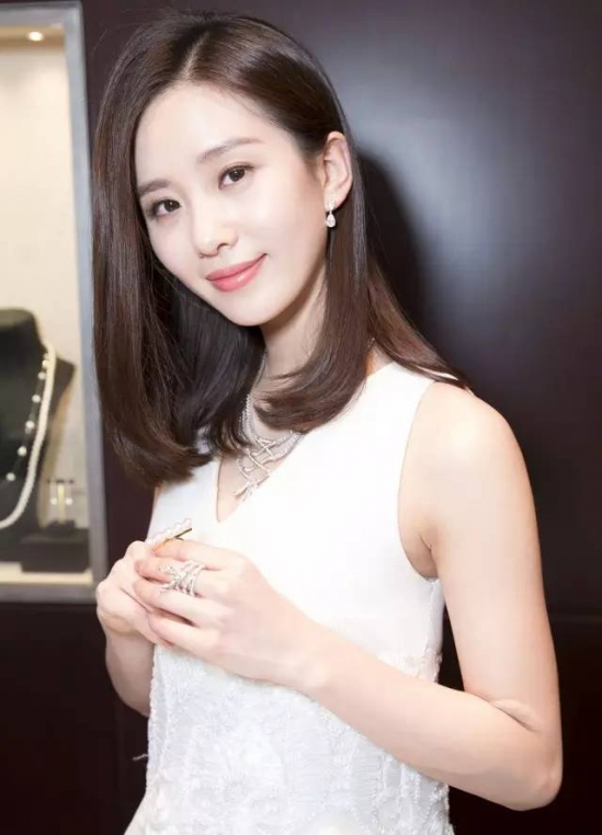 三十岁女人显气质发型 这8款发型太美了