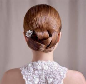 盘发发型扎法图解 8种各场合适用的盘发教程