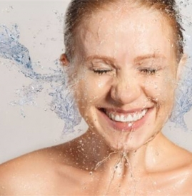 怎样洗脸能美白 5大方法洗出水光肌