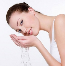 夏天适合用什么护肤品 补水才是关键