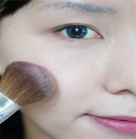 新手淡妆化妆步骤 三款日常淡妆画法教程