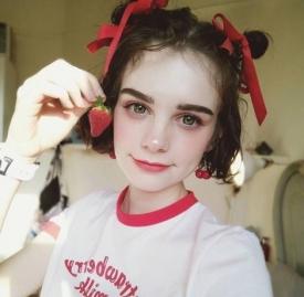 方形脸适合什么发型 很方的女生适合这几款卷发