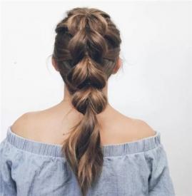 女孩简单好看的扎发 这样扎头发美极了