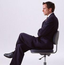 怎么从坐姿看男人性格 这六种了解一下