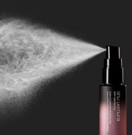 油皮可以用定妆喷雾吗 油皮适合定妆喷雾嘛