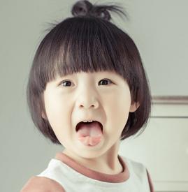 简单好看的小女孩发型