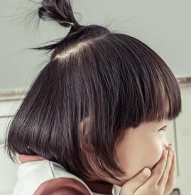 小女孩扎小辫图片大全
