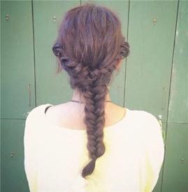 头发怎么编简单好看