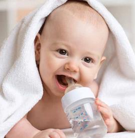 宝宝打嗝怎么缓解 宝宝打嗝怎么处理方法