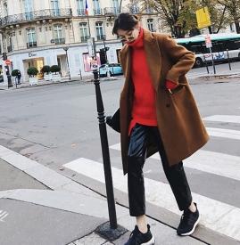 红色毛衣配什么颜色外套 大红色毛衣配什么颜色外套好看