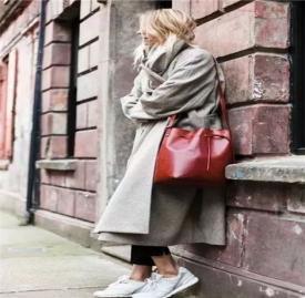 大衣运动鞋搭配图片欣赏