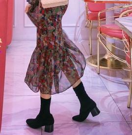 印花连衣裙搭配 搭配这五种鞋子春夏回头率爆表
