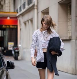 黑色短裤搭配什么鞋子 黑色短裤搭配什么颜色鞋