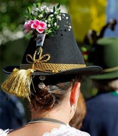 渔夫帽适合什么季节 渔夫帽冬天适合戴吗