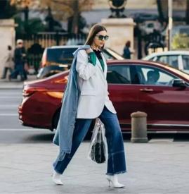 女生秋天阔腿裤怎么搭配外套 秋季阔腿裤配什么上衣好看