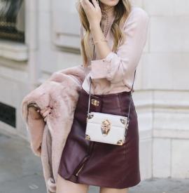 冬天粉色衣服怎么搭配好看 冬天粉色和什么颜色搭配好看
