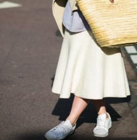 长裙配运动鞋图片大全 冬季长裙配运动鞋