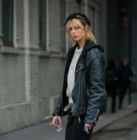 黑色贝雷帽配什么衣服 黑色贝雷帽搭配