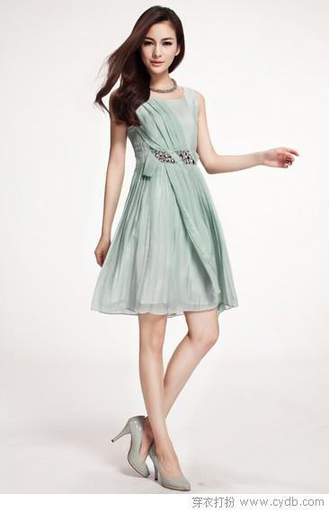 这些连衣裙优雅又显瘦