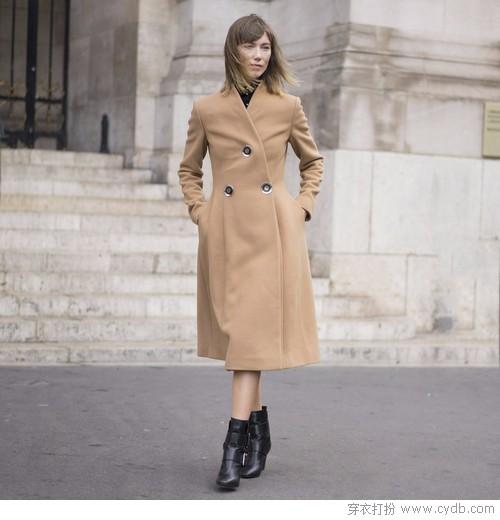 避免挑花眼,论质感与气质驼色大衣完胜