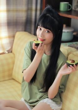 甜美可爱美少女夏日写真图片