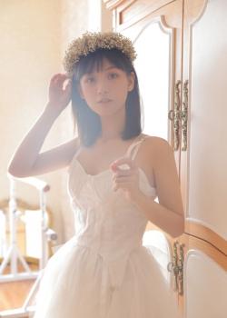 清纯美女白皙长裙养眼写真图片