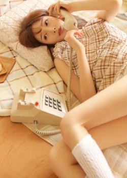 长腿美女性感白嫩私房图片
