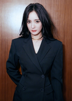 杨幂MO&Co.15周年COOLNESS大秀图片