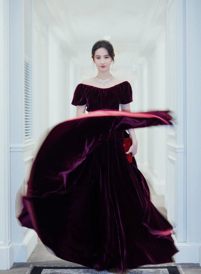刘亦菲性感优雅写真图片