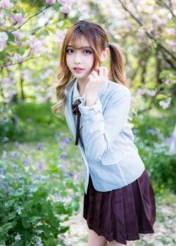 清纯JK制服美女白皙俏皮写真图片