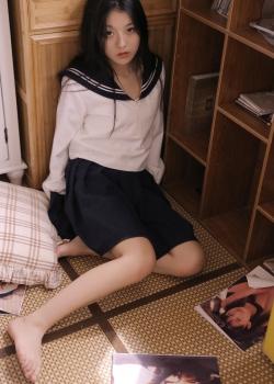 元气美女学生制服甜美写真图片