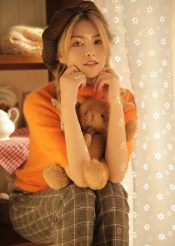 贝雷帽美女甜美清新性感写真